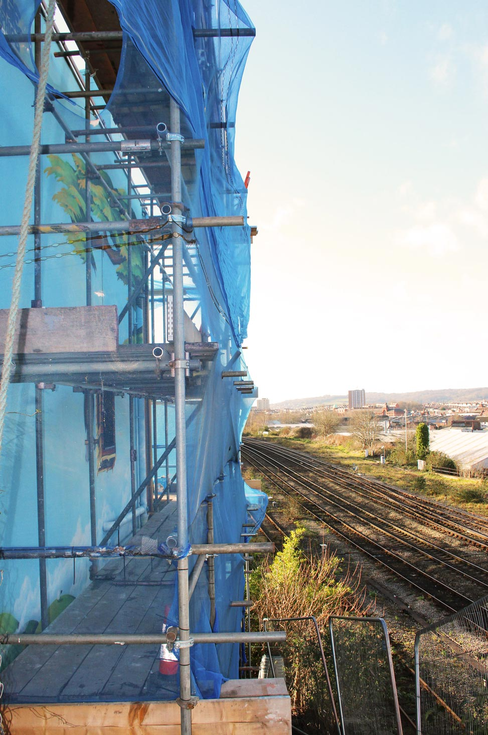 Mural_House_BristolRailway_Scaffold